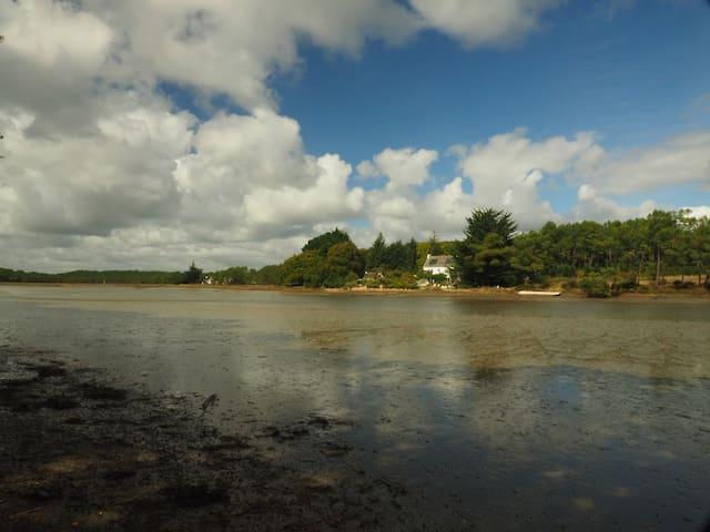 maison au bord de la Ria d'Etel - Locoal-Mendon - Bed & Breakfast