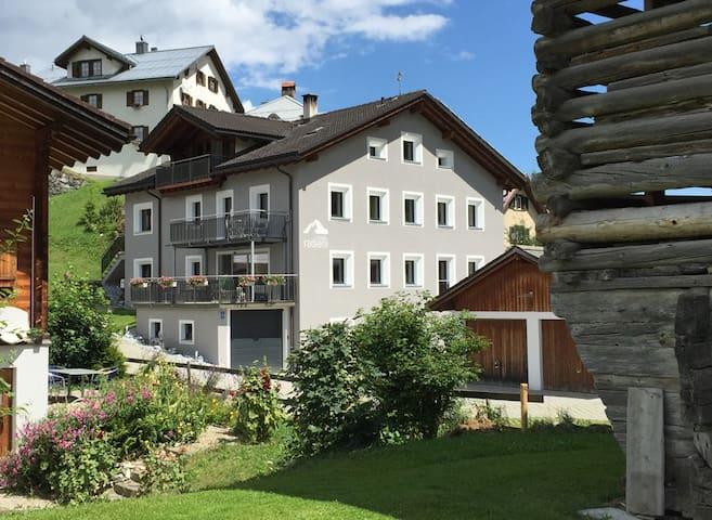 Casa Radieni in Flond GR (Teil), Nähe Flims/Laax - Flond - Apartamento