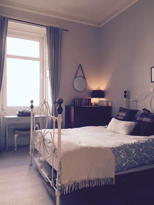Airbnb bedroom -  plenty of books to borrow