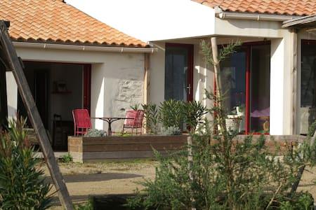 Chambres et tables d'hôtes en rétro-littoral. P - Hospedaria