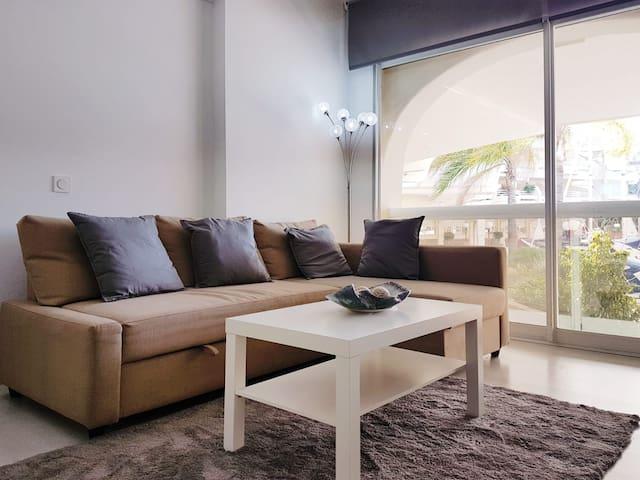 salon con sofa cama