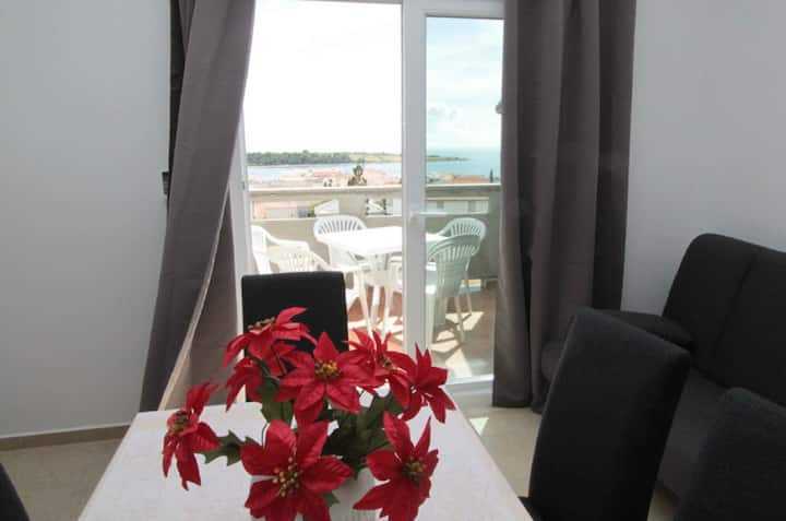 Apartment Tammy for 5 pax in Novalja, great view