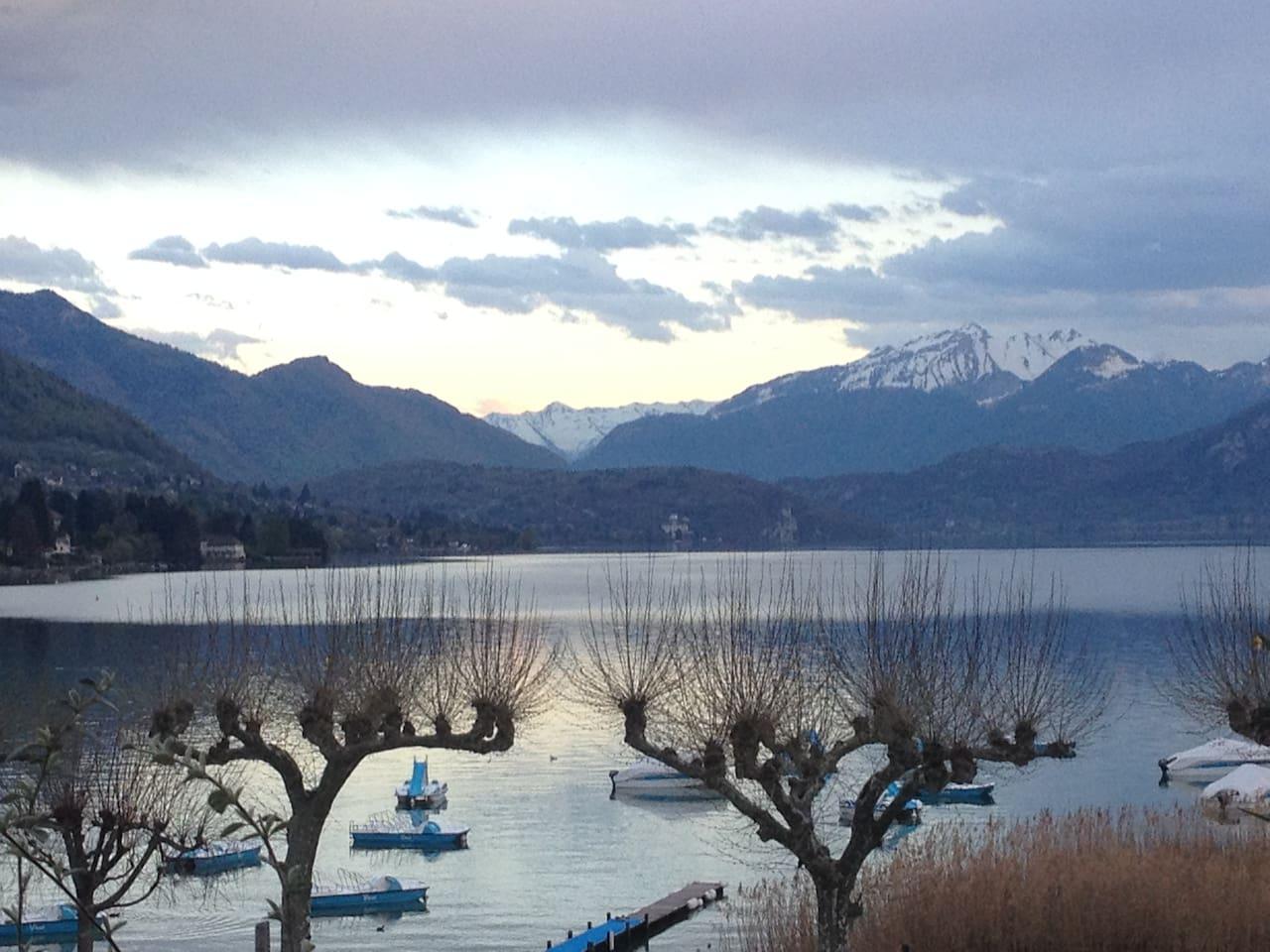 Une vue imprenable sur le lac...