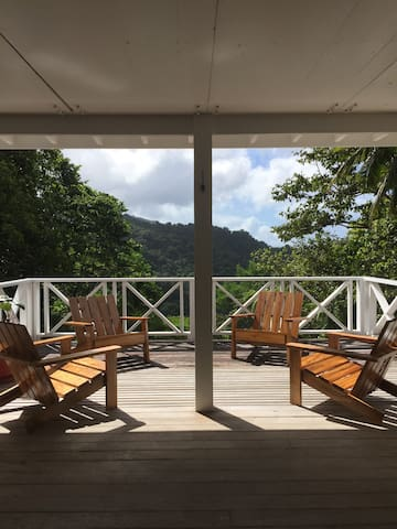 Tropical Rainforest Paradise on 18 acres! - DM - Maison