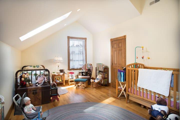 Bonus Room of the Oak Room Suite at Luftberg Farm