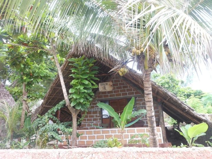 Mbuyuni  beach  village  (African Banda style )