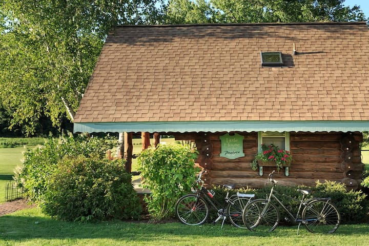 Little House on the Prairie Log Cabin - Justin Trails Resort
