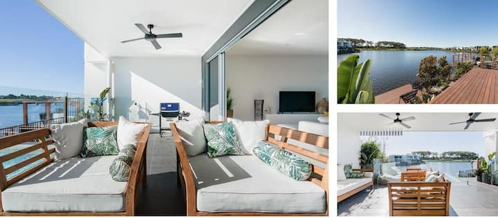 """Coastal Room away"", water views and close to CBD"