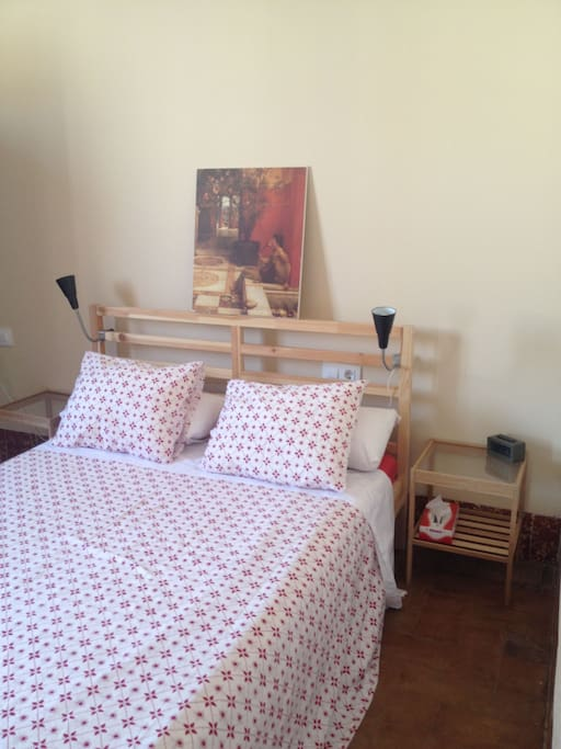 Bright, sunny room with a new double bed and A/C