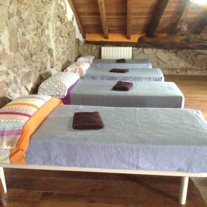 Habitación familiar en caserío  7 camas y desayuno
