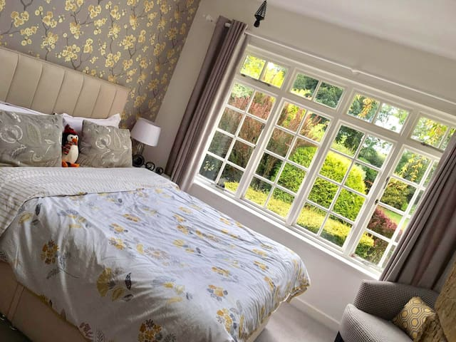 Luxury Guest Room with beautiful garden views - Killinghall