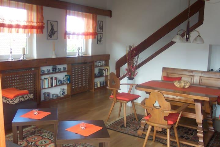 Gemütliche Ferienwohnung mit Bergblick - Grabenstätt - Pis