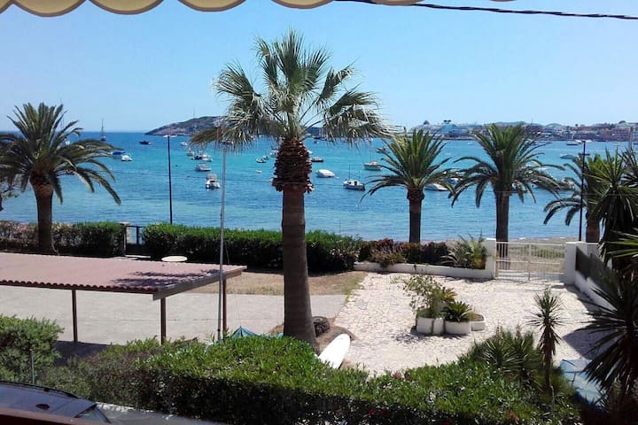 LOVELY SEAVIEW WIFI 2 DOUBLE BEDROOMS IN TALAMANCA