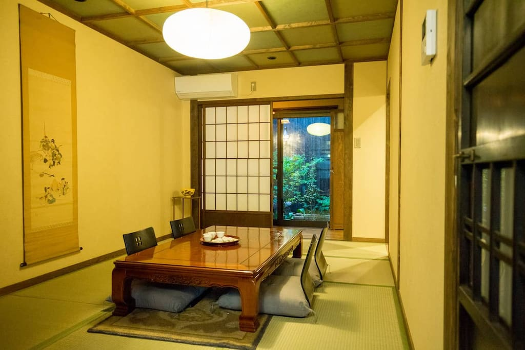 一楼榻榻米室 (tatami room on the first floor)