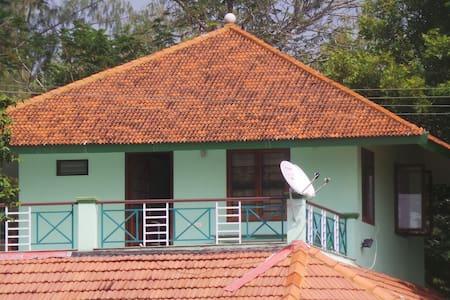 Tranquille Lakeshore Studio Pondicherry - Poothurai - Apartmen