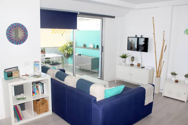 2 bedroom Penthouse with terrace 5 min beach