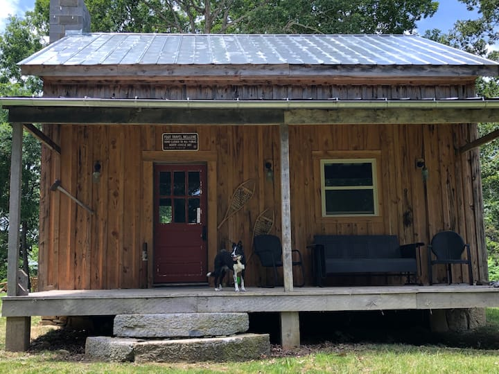 Secluded cabin close to VMI, W&L, and Lexington.