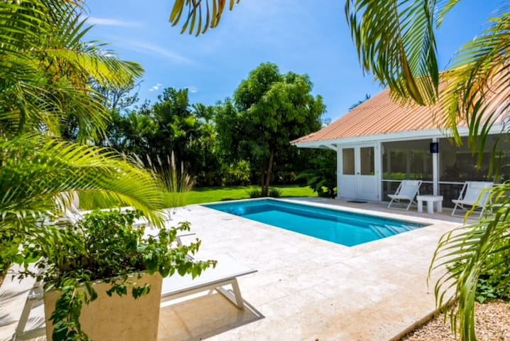 **NEW** - Beach Bungalow W/Pool - Casa Tua