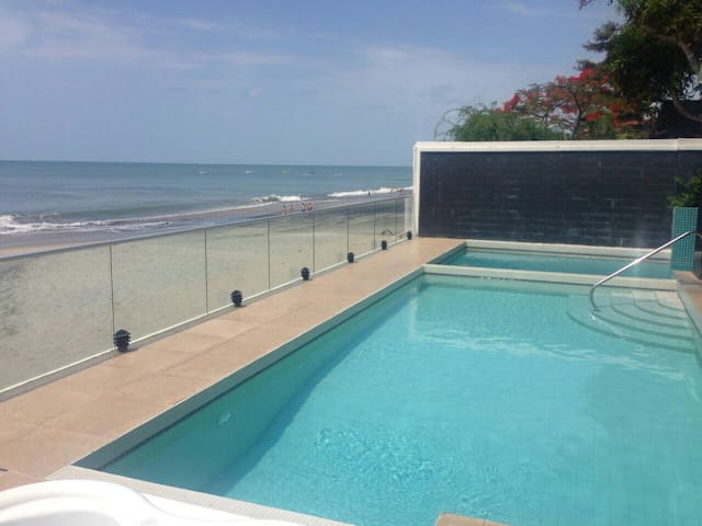 Beachfront @ Farallon Playa Panama