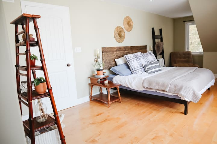 In the Master Bedroom you'll find a brand new King sized mattress for the best and most comfortable sleep! The walk-in closet [with window] can accommodate either the crib or toddler mattress which we have available for additional sleep space.