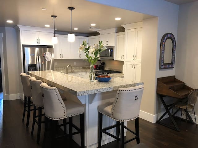 Ski vacation townhouse mn away from slops