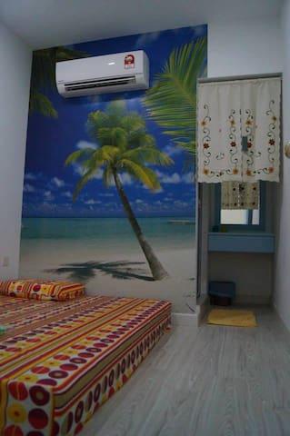 这是一家位于 马来西亚 邦咯岛上的 海边民宿