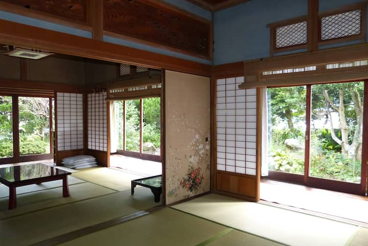 ★ ゲストハウス- Guestroom in a Traditional House ★