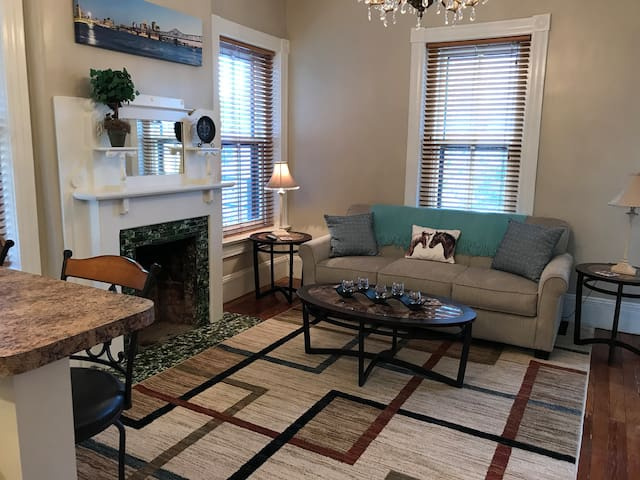 Louisville Apartment in Private Home