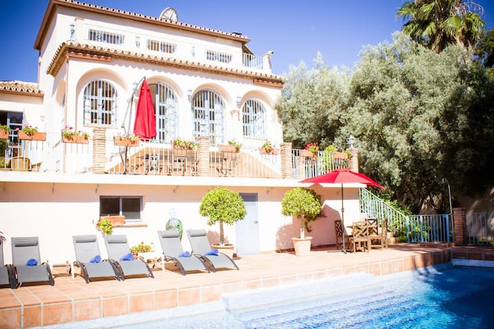 6 bed villa with seaviews and large private pool - Estepona - Villa