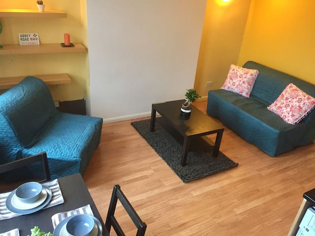 1BD flat up to 5 people close to Hampstead Heath
