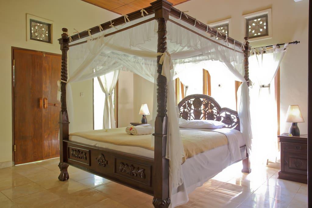 full size queen bed