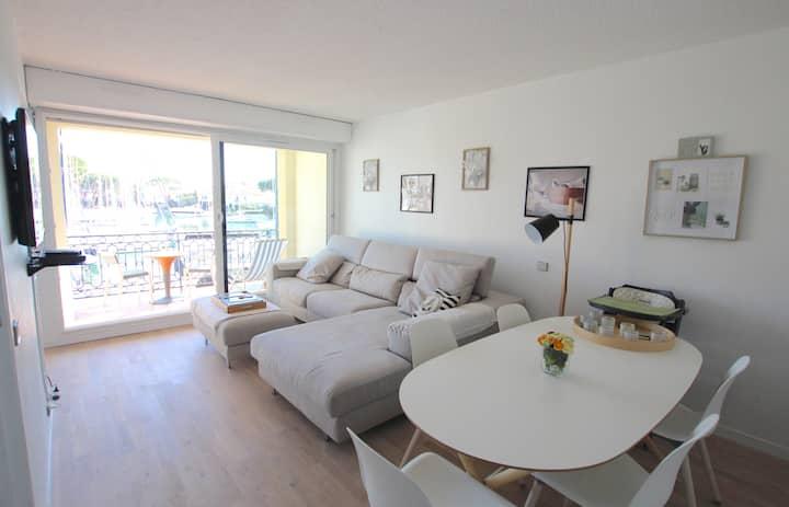 Appartement 2 pièces entièrement rénové - grand balcon et WIFI