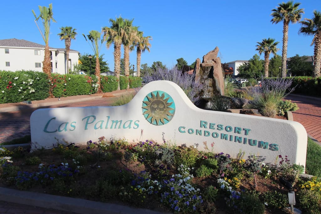 Welcome to the Las Palmas Resort Community