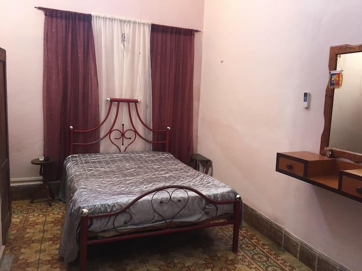Habitación 2 en Hostal Enmary, ideal para parejas