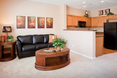 Near Downtown-Brand New Townhome - Albuquerque - Maison de ville