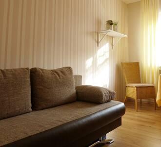 Schönes, ruhiges Zimmer,  R1& R99& Corvey, Balkon