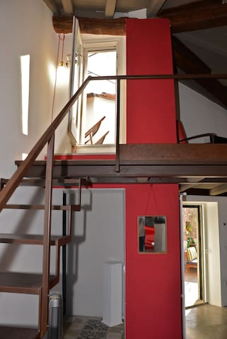 The indoor staircase