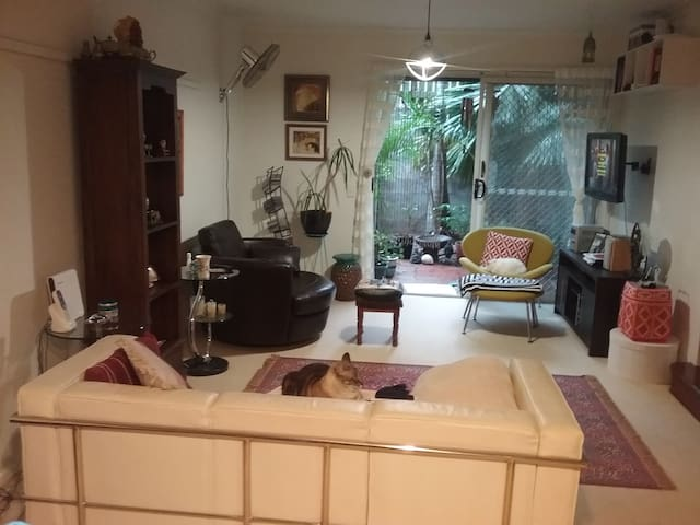Lovely lnner City Townhouse + Two Cats - Brisbane - Haus