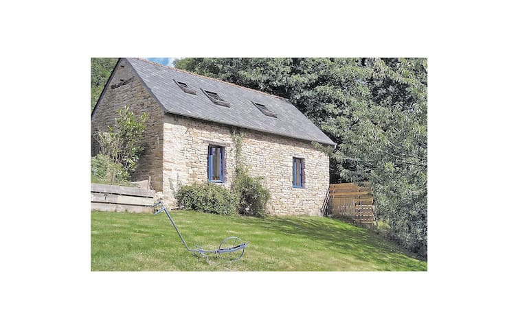 Holiday cottage with 1 bedroom on 60 m² in Le Faouët