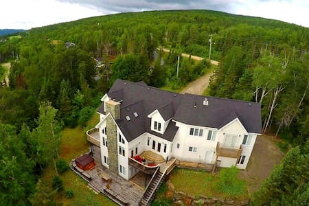 6 Bedroom Chalet in Humber Valley Resort.