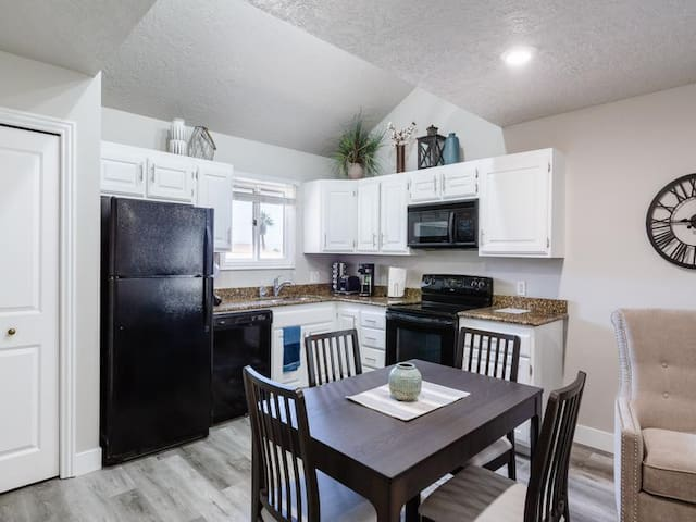 Bear Claw| Newly Renovated Condo in Sports Village! Pet Friendly and Close to Hiking and Biking Trails!
