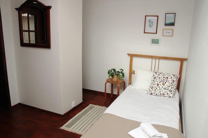 Уютная мансардная комната - Sankt-Peterburg - Bed & Breakfast