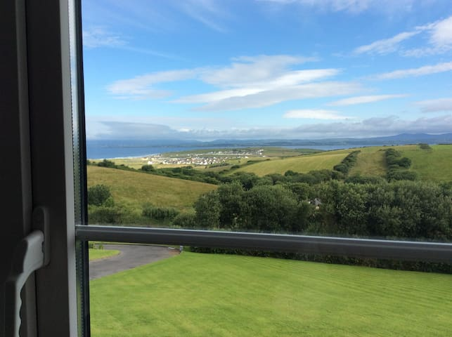 Wild Atlantic way room with a view - Golf View - Bed & Breakfast