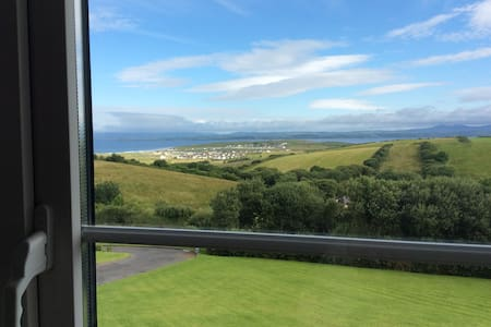 Wild Atlantic way room with a view - Golf View