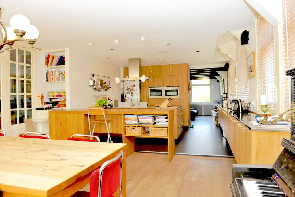 Modern living kitchen with great view over the dyke from large diner table