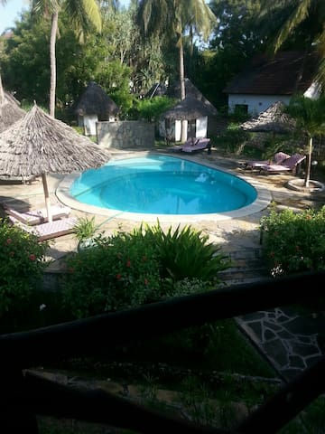 Spacious 1 bedroom in central Diani