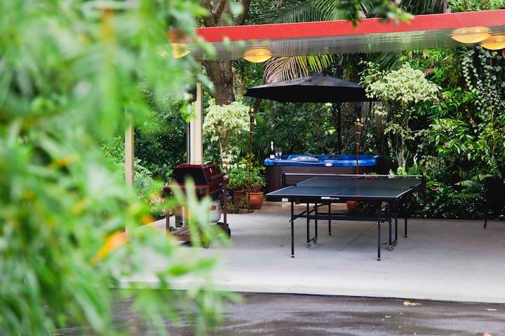 Table tennis/Spa Outdoor Area