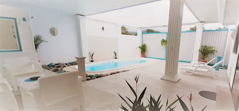 House in the HEART of JACO with PRIVATE POOL