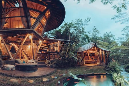 HIDEOUT BEEHIVE - Eco Bamboo Home