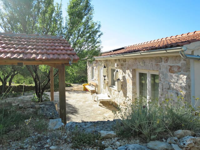 Lovely stone house, is in a secluded location, with garden and barbecue